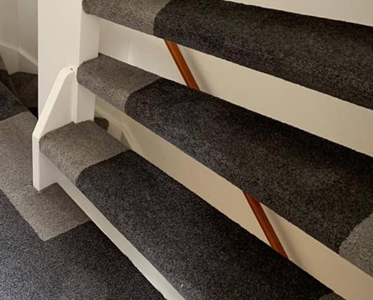 Tapijt-vloerbedekking voor een mooie uitstraling op uw trap